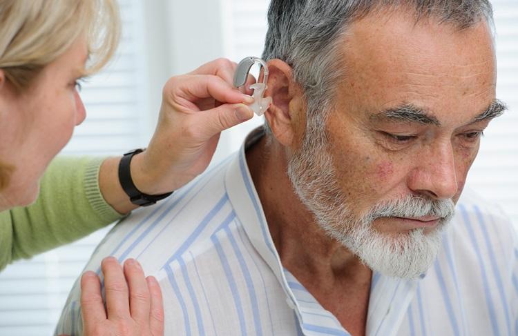 Problèmes auditifs, des solutions pour rompre l'isolement